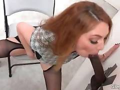 Kiki Daire Looks For Some Nasty Sex Fun 3